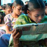 Nuestros libros ayudan a que ellas estudien en la India